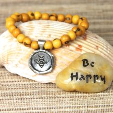 Be Happy acai beaded bracelet with Be Happy talistione