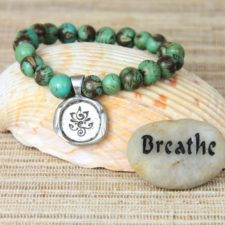 Breathe acai beaded bracelet with Breathe talistione