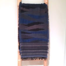 Extra long, artfully striped scarf / Blue