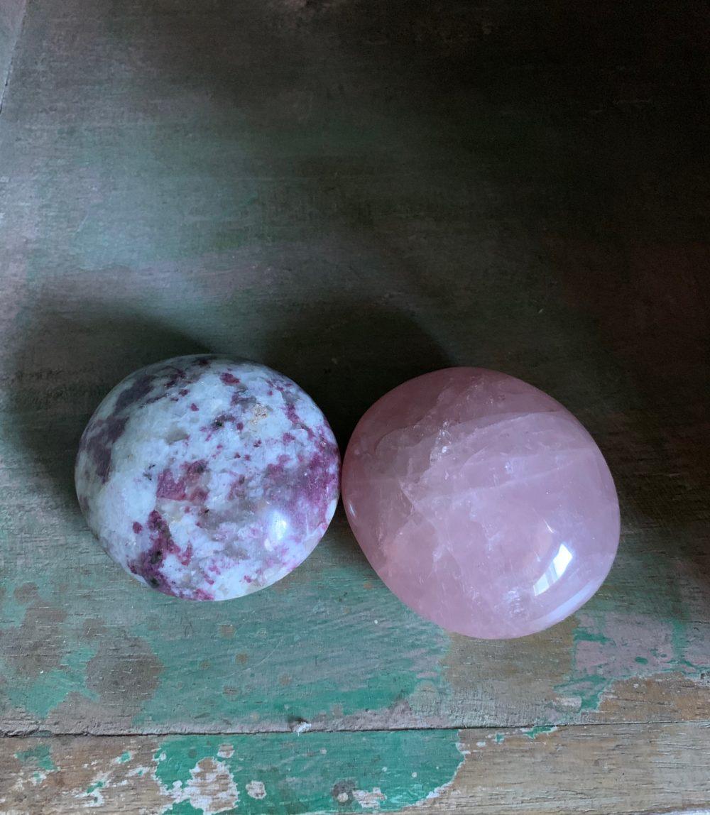 Rubelite and Rose Quartz Palm Stone set