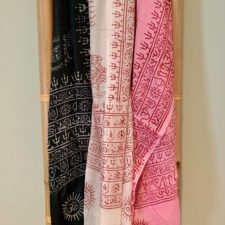 Set of 3 printed prayer scarves for Happiness
