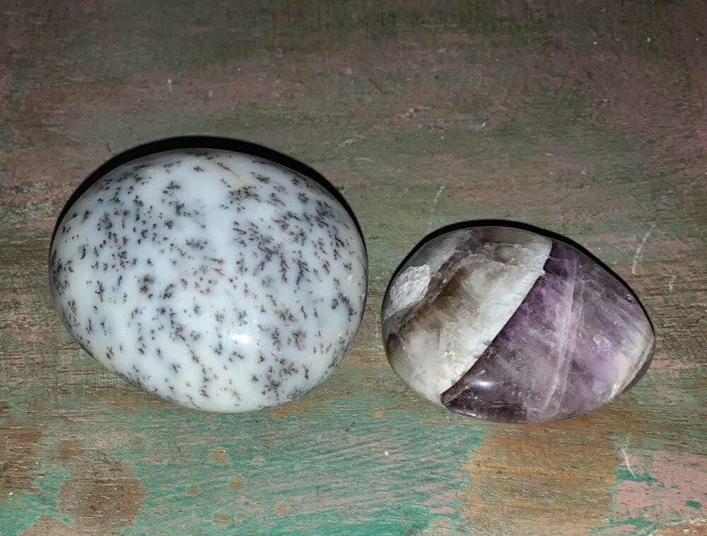 Merlinite & Amethyst Palm Stone Set